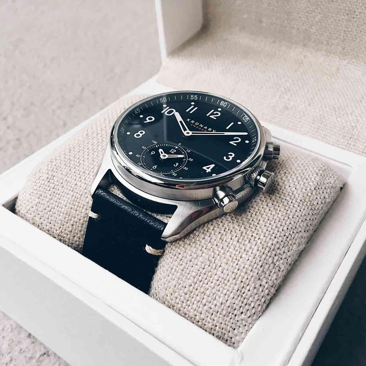 Kronaby Apex 43 mm är analog smartwatch från Sverige