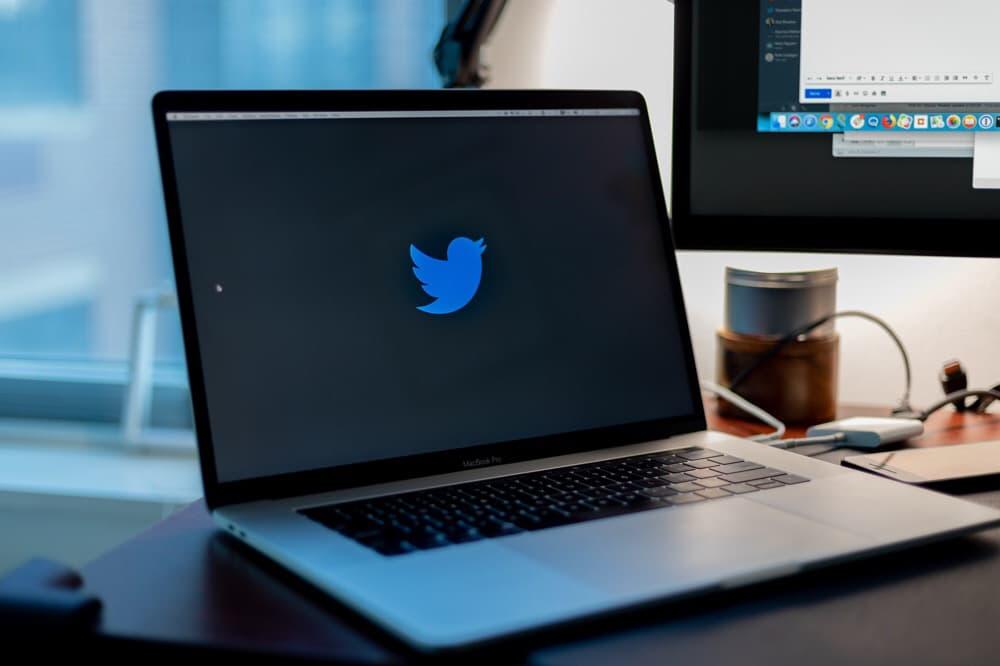 Elon Musk, Bill Gates, Barack Obama och många andras twitterkonton har blivit hackade