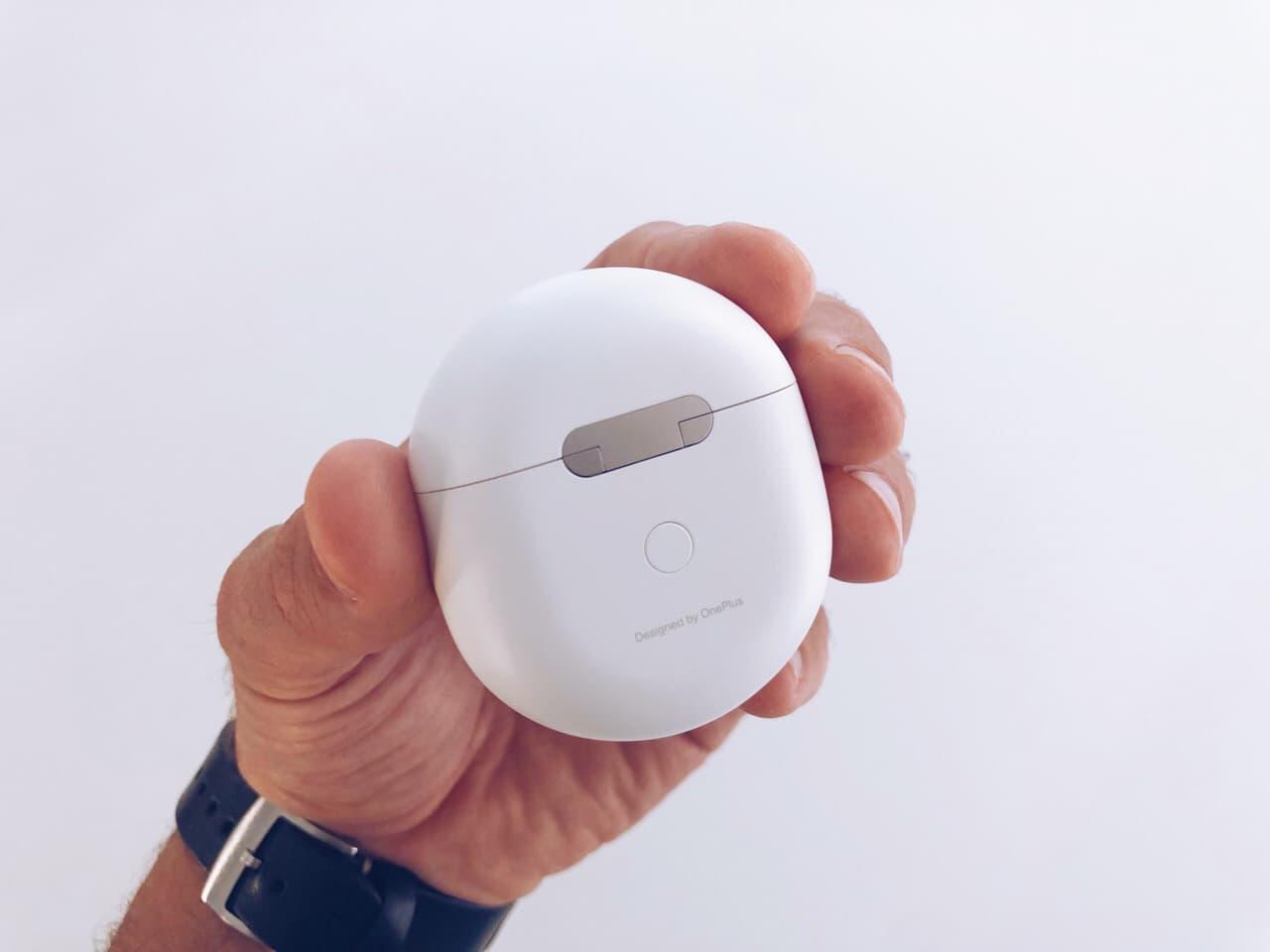 OnePlus Buds framsida laddningsetui