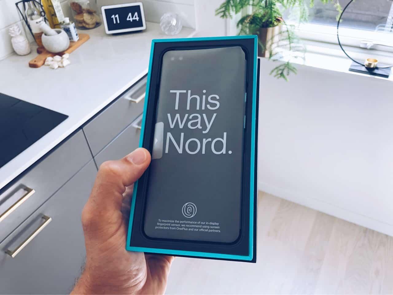 Packar upp och känner på nya OnePlus Nord