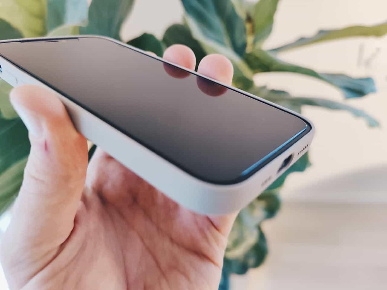 ZAGG InvisibleShield Glass Elite+