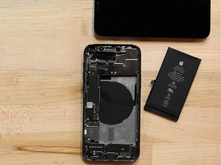 Hur du byter batteri på iPhone 12